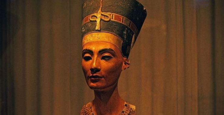 الصباغ الأزرق المصري…